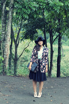 black floral Primark coat - black felt floppy unknown brand hat