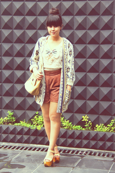 beige lacey ruffle h&m divided top - tan tribal print vintage jacket