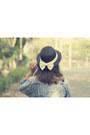 Beige-rosewe-dress-black-bowy-straw-local-store-hat-blue-vintage-jacket
