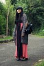 Charcoal-gray-zara-cardigan-black-pink-maxi-friday-to-sunday-dress