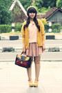 Camel-beret-ebay-hat-dark-brown-primark-bag-nude-floral-lacy-zara-skirt