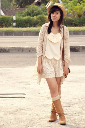 nude bowy scalloped Just Wanderlust top - tan knee-length vintage boots