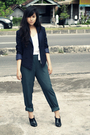 Blue-thrift-store-blazer-white-h-m-top-green-vintage-pants-black-custom-ma