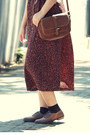 Black-vintage-dress-neutral-bow-boater-random-hat-brown-leather-vintage-bag