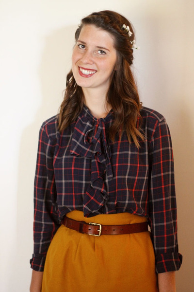 mustard wool vintage skirt - Gap blouse