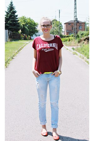 ruby red second hand t-shirt