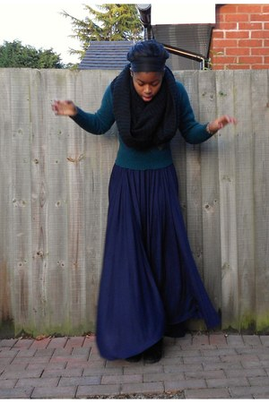 maxi skirt River Island skirt - vintage sweater - snood H&M scarf