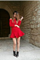 Jessica Buurman dress - Glamour Marmalade accessories