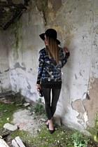 Li Ve in Venice sweatshirt - Glamour Marmalade accessories