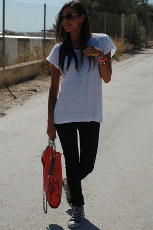 carrot orange Stella McCartney bag - navy JBrand jeans - white Zara t-shirt