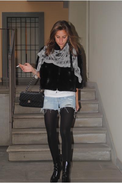 black Gucci shoes - blue Abercrombie shorts - black Chanel 255 - marc jacobs sca