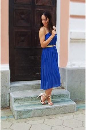 blue pleated dress - Giuseppe Zanotti sandals