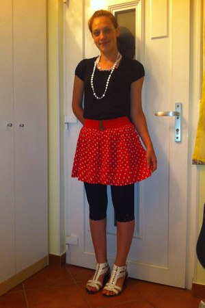 red fishbone skirt - black Lisca leggings - black Colours of the world top