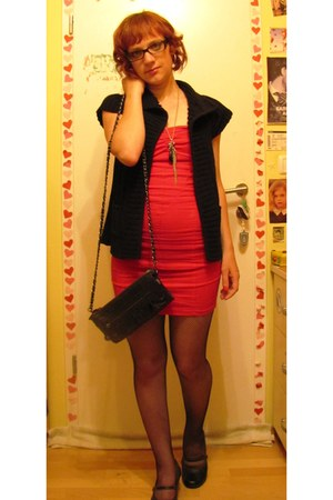 red perla nera dress - black Amisu cardigan