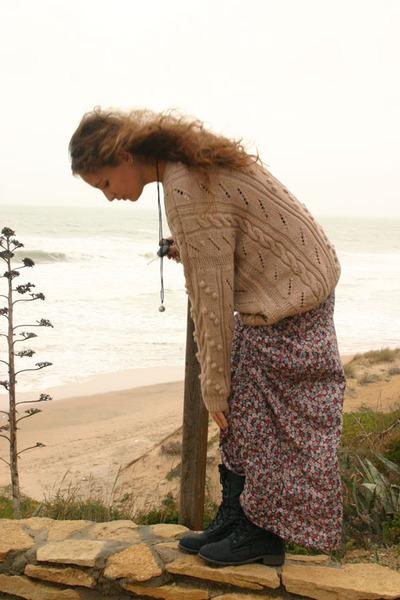 camel vintage sweater - dark gray no brand boots - maroon Primark skirt