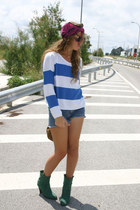 blue H&M jumper - forest green Pilar Burgos boots - maroon vintage scarf