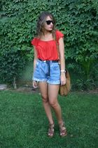 red H&M blouse - black belt - blue shorts - brown BLANCO shoes