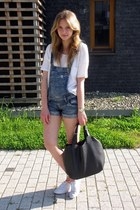 Primark shoes - Manzannan bag - fishbone pants - Mango t-shirt