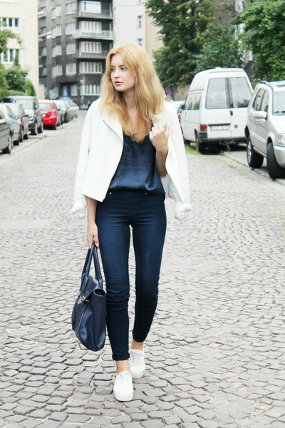 white H&M shoes - navy H&M jeans - white c&a jacket - navy etorebka bag