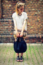 Manzanan bag - Pimkie shorts - second hand t-shirt - Tally Weijl sandals