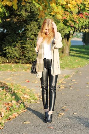 beige Max Mara coat - beige second hand scarf - black Zara bag