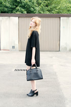 black second hand C&A dress - black Parfois bag - black Parfois heels