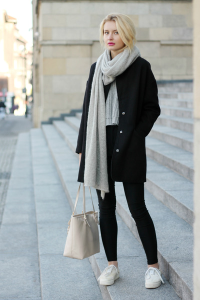 black H&M jeans - black taly weijl coat - heather gray Bik Bok sweater