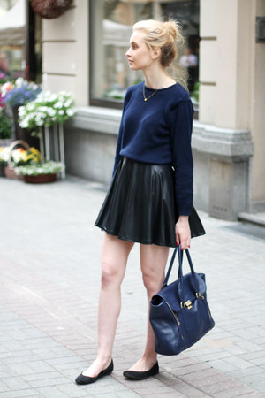 navy second hand sweater - navy Mizensa bag - black c&a skirt
