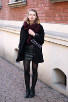 maroon H&M scarf - black Tally Weijl coat - maroon Bershka bag