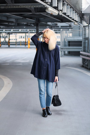 navy vintage coat - sky blue pull&bear jeans - black Zara bag
