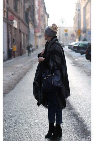 dark gray Bershka coat - navy etorebkapl bag