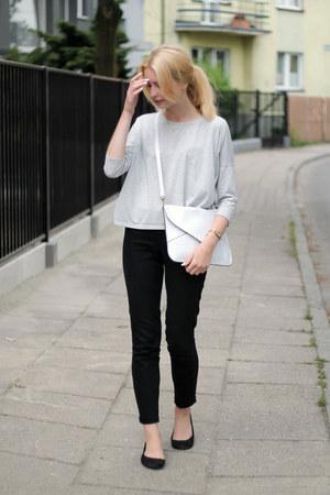 black H&M jeans - white allegro bag - heather gray second hand t-shirt