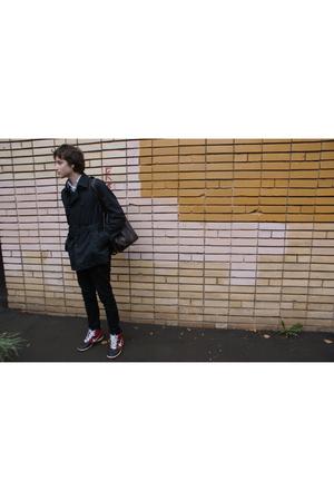 black nike nike shoes - black coat - black jeans - brown Topman bag