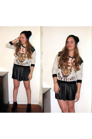 leather skirt Missguided skirt - boots Amazon boots - beanie H&M hat