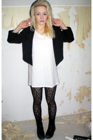 Secondhand blazer - shirt - panties - Secondhand shoes - Secondhand hat