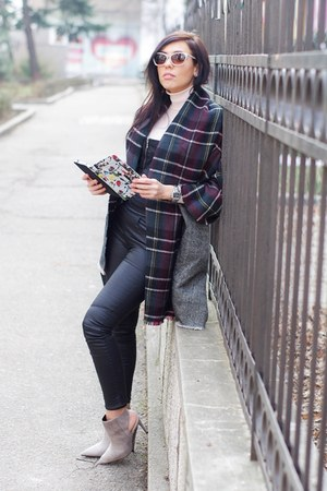 Zara scarf - Zara jumper