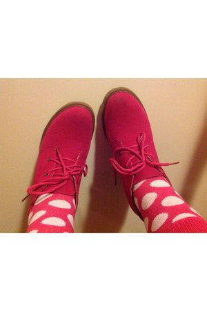 hot pink soft suede Whatever shoes - hot pink cotton New Yorker socks
