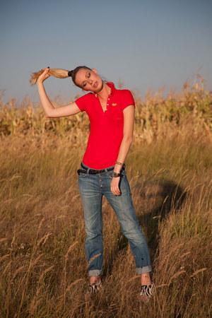 blue REPLAY jeans - black Zara belt - red Superdry t-shirt - white Mango heels