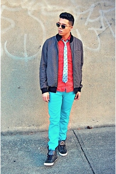 aquamarine Levis jeans - black Guess jacket - orange Target shirt
