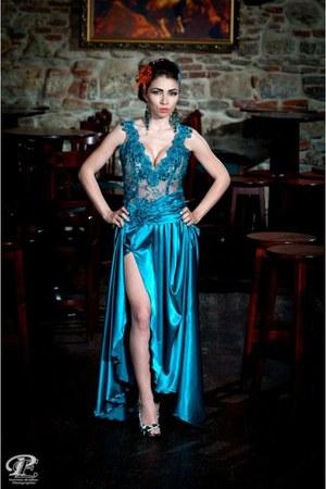 turquoise blue Stefanias trendy look dress