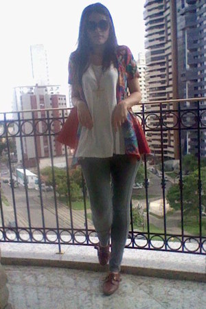 Lelis Blanc shirt - Arezzo shoes - asos glasses - Ellus cape