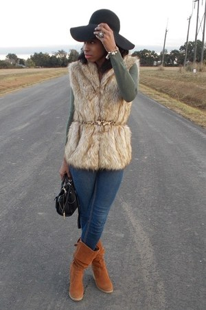 light brown faux fur Icings vest