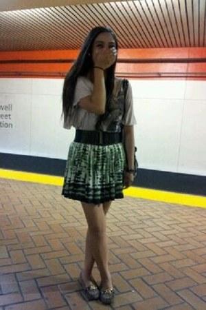 tie dye green Forever21 skirt - beigeblack Charlotte Russe shirt