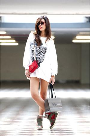 Nil&Mon sweatshirt - La fille des Fleurs purse - Ishikawa sneakers