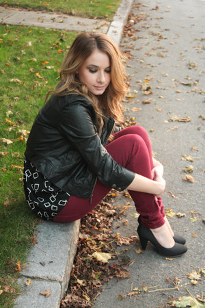 jacket - burgundy jeans jeans - pumps