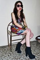 chunky heel boots - flower print dress - sunglasses