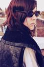 Tassel-metal-medium-necklace-zara-jeans-medium-bag-vintage-sunglasses