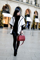 red leather Florian London bag - white Jumper IT cape
