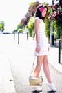White-flowers-manoush-dress-gold-leather-kate-lee-bag-white-h-m-pumps