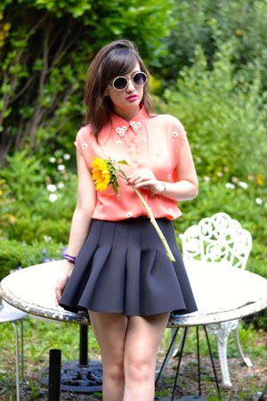 coral Danity shirt - black neoprene H&M skirt